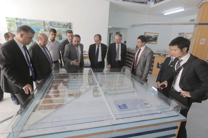 وفد ياباني رفيع المستوى يزورمدينة غزة الصناعية