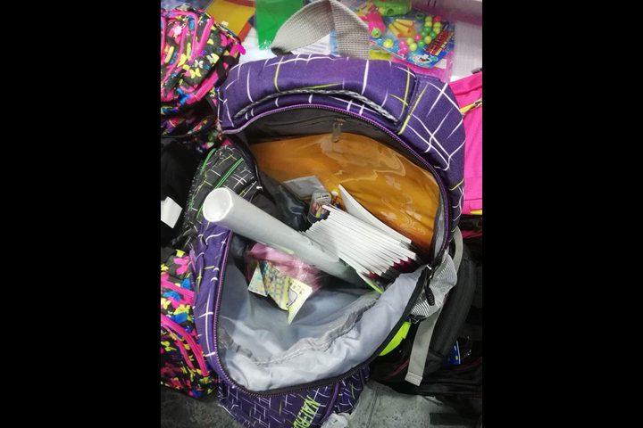 حملة بنابلس توفر حقائب وقرطاسية لـ200 طفل
