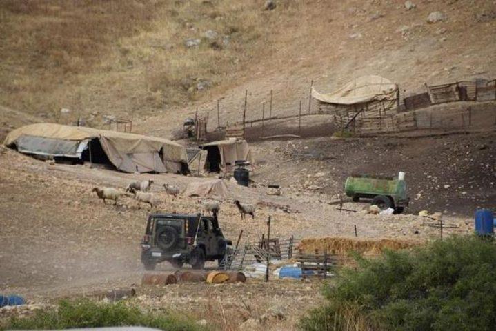 """اخطار بطرد 3 عائلات من منطقة """"البرج"""" بالأغوار"""