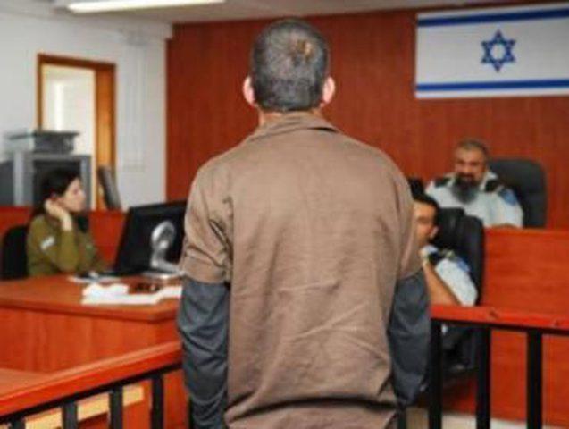 الاحتلال يصدر (64) أمر اعتقال إداري بحقّ أسرى