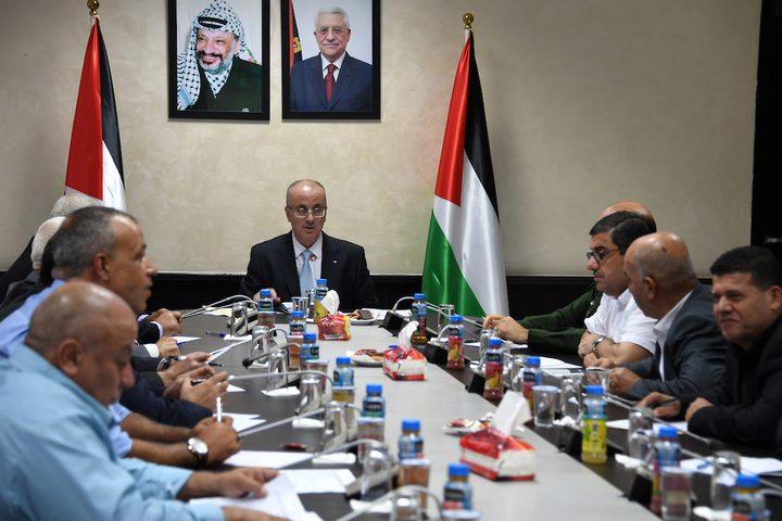 رئيس الوزراء الفلسطيني، الدكتور رامي الحمد الله، يرأس اجتماعاً لقادة المؤسسة الأمنية، في مدينة رام الله بالضفة الغربية.