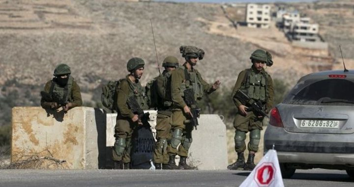 الاحتلال يغلق خربة سلامة غرب الخليل