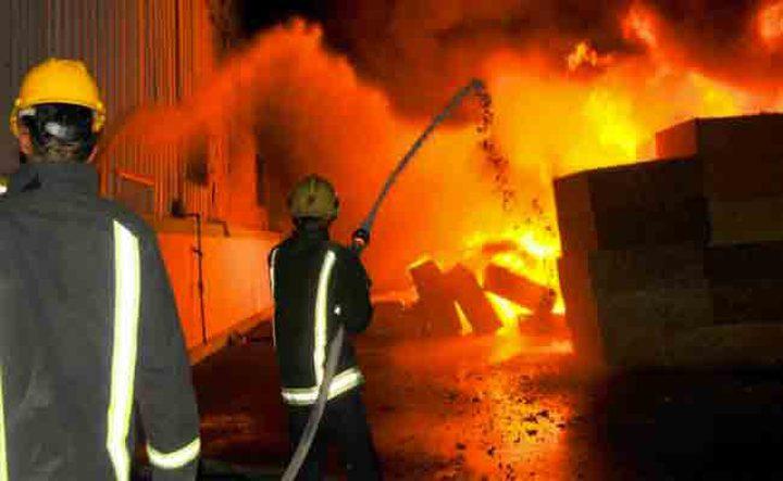 حريق كبير بمحزن للإطارات غربي جنين