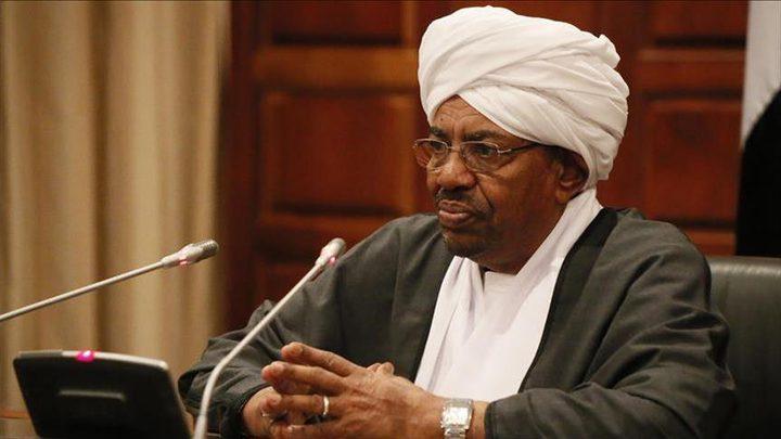 البشير يقرر حل حكومة الوفاق الوطني بالسودان