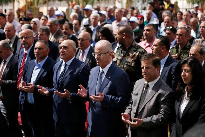 مشاركة رئيس الوزراء الفلسطيني د. رامي الحمد الله في مهرجان العنب الفلسطيني قرب حلحول في الخليل