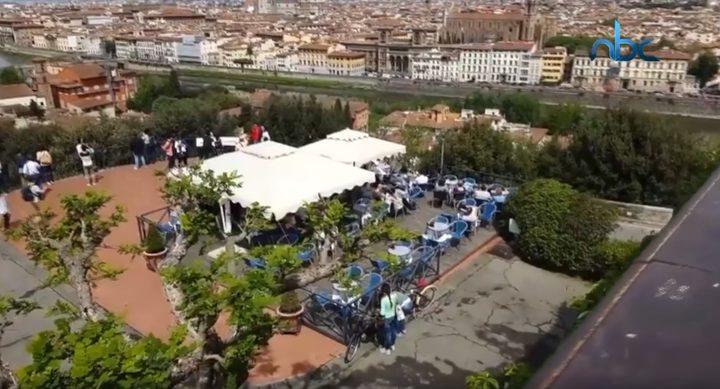 500 يورو غرامة لمن يأكل في شوارع مدينة إيطالية