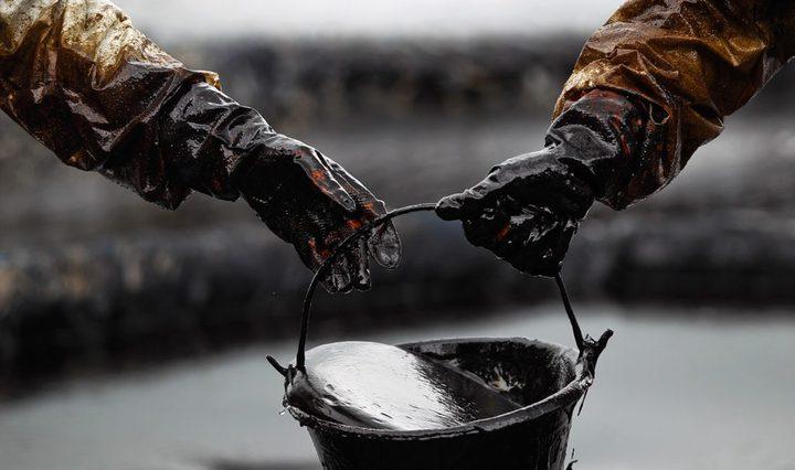 """مع اقتراب """"عقوبات إيران"""".. النفط يرتفع"""