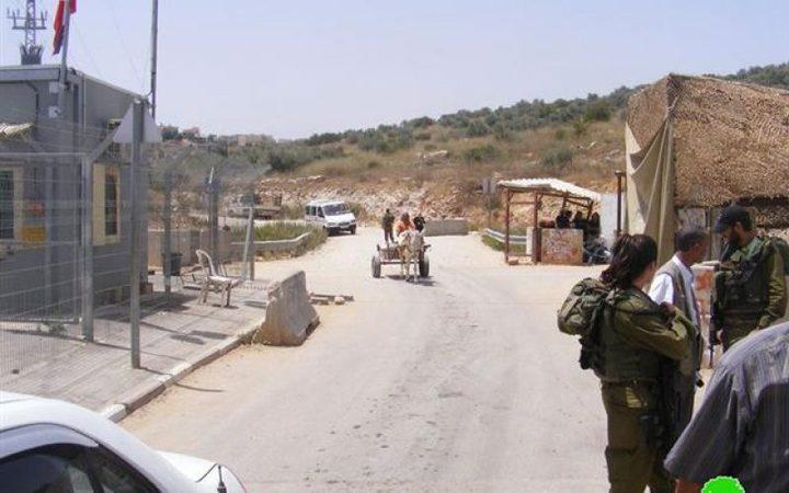 الاحتلال يعيق العمل بمسجد في بلدة عزون