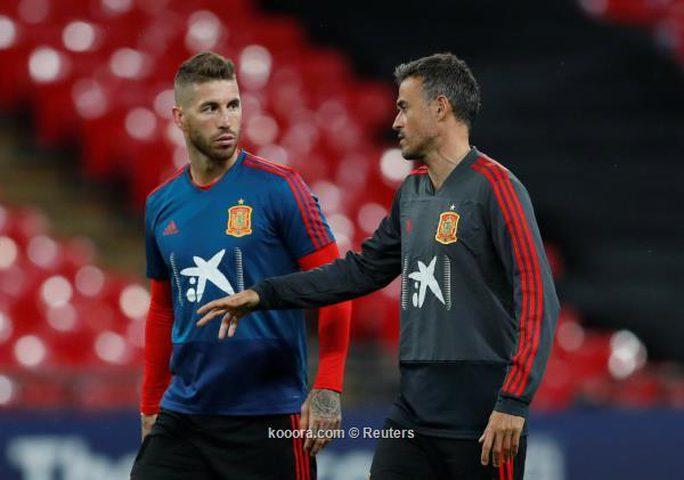 جماهير برشلونة تتهم إنريكي بمحاباة لاعبي الريال
