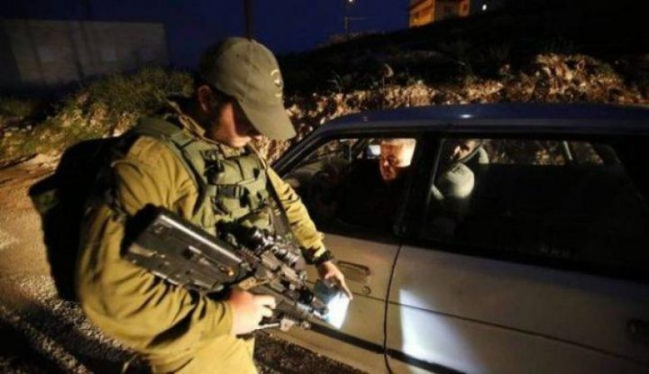 قوات الاحتلال تغلق الطرق المؤدية للخان الأحمر
