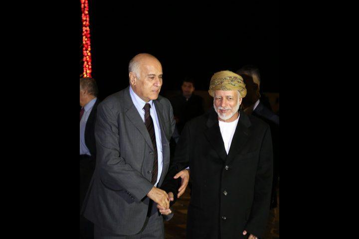 الرجوب يطلع وزيرالخارجية العماني على آخر المستجدات