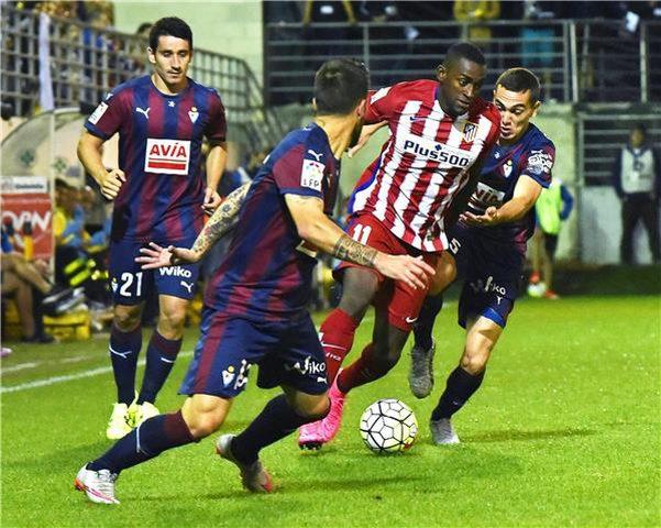 """أتليتكو مدريد يسقط على أرضه في """"الليغا"""""""
