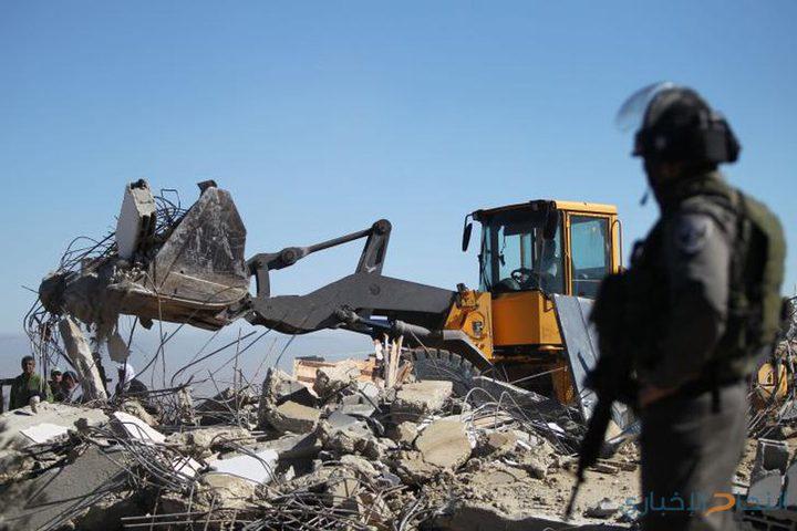 الاحتلال يهدم منزلاً في الرملة