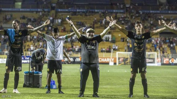 """مارادونا يبدأ """"حلمه الجميل"""" في المكسيك"""