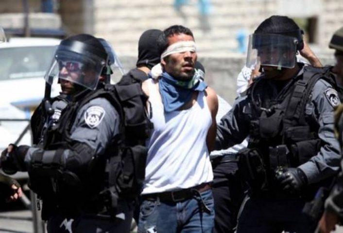 """اعتقال مقدسي عقب خروجه من المسجد """"الأقصى"""""""