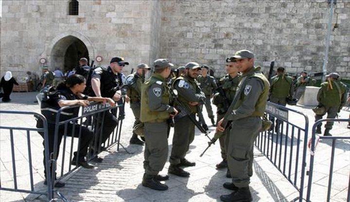الاحتلال يعتقل شابين من القدس القديمة