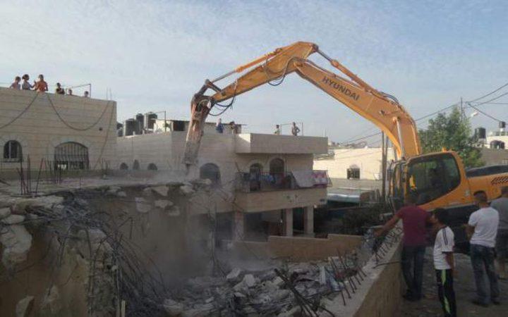 بلدية الاحتلال تجبر مقدسيًّا على هدم منزله بالقدس