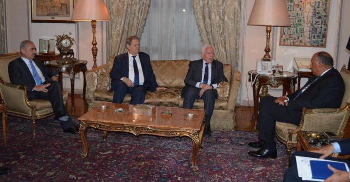 وفد فتح يغادر القاهرة بعد اجتماعات بشأن المصالحة