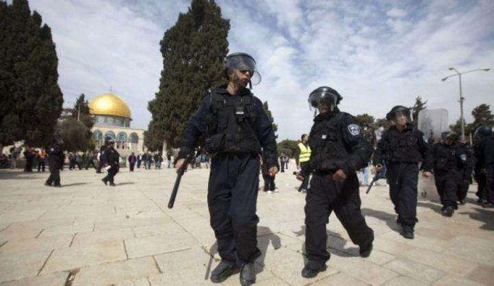 الاحتلال يعلن اعتقال 10 شبان