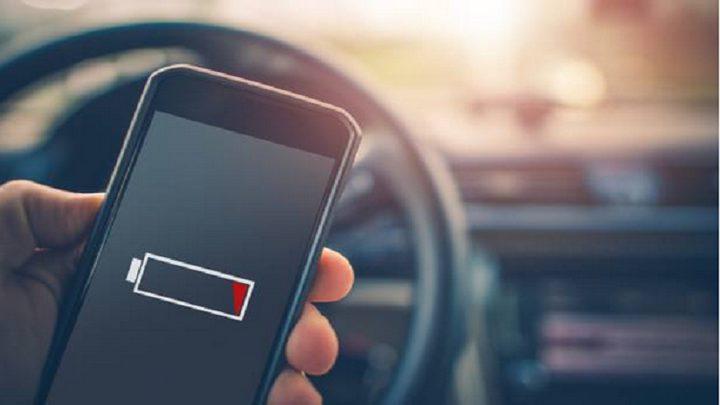 علماء يكشفون غموض تدهور عمر بطارية الهاتف!