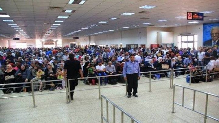الاحتلال يمنع 25 فلسطينيًا من السفر الأسبوع الماضي