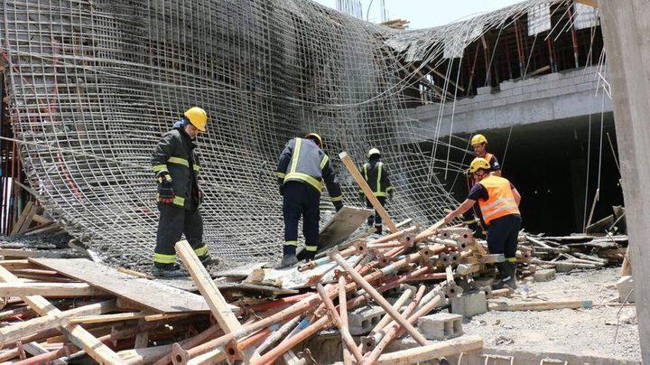 اصابتان في انهيار سقف مبنى في مخيم الدهشة