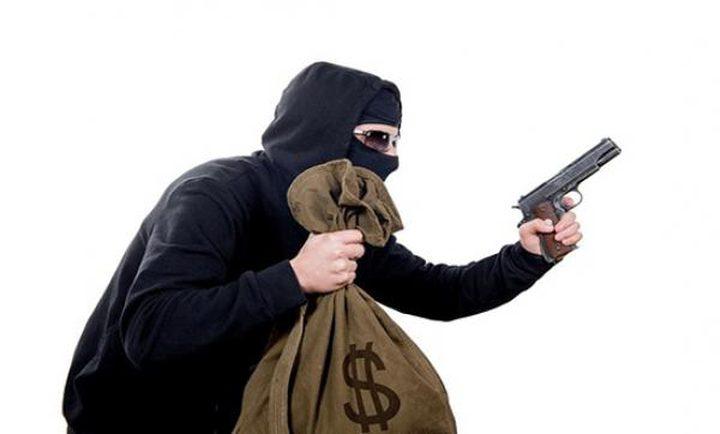 أردني ينفذ سطوا مسلحا على بنك في الكويت