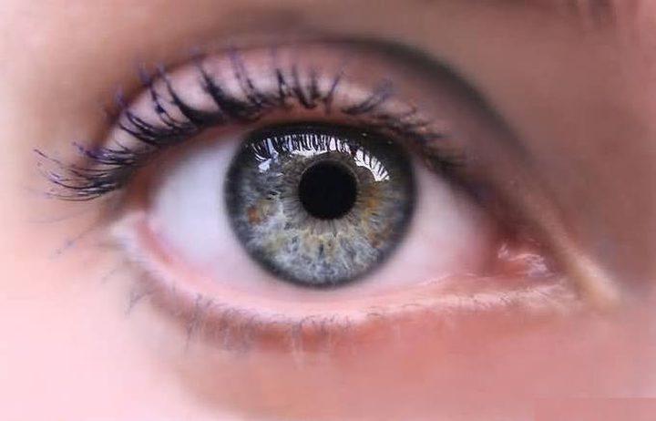 عادات يومية تهدد صحة العين