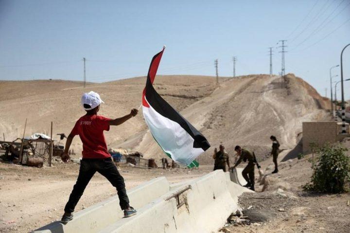 الاحتلال يعلن الخان الأحمر منطقة عسكرية مغلقة