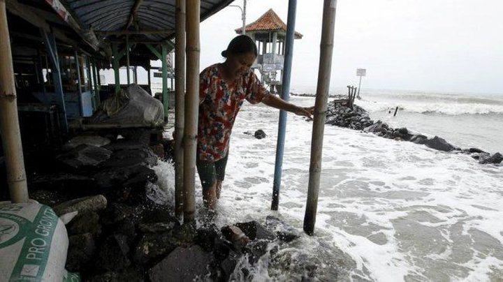 ارتفاع عدد قتلى تسونامي إندونيسيا إلى 384
