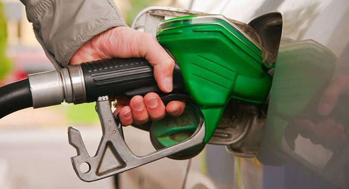 الحكم المحلي يعتمد ترخيص محطات الوقود السائل