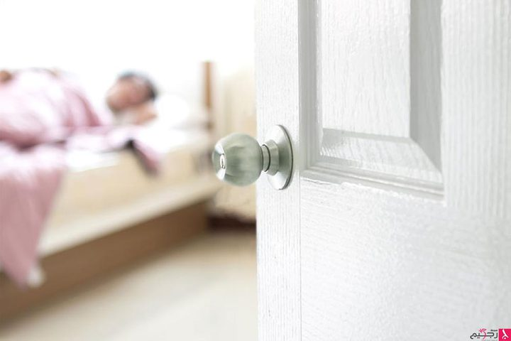 لهذه الأسباب.. لا تغلقوا باب الغرفة أثناء النوم !