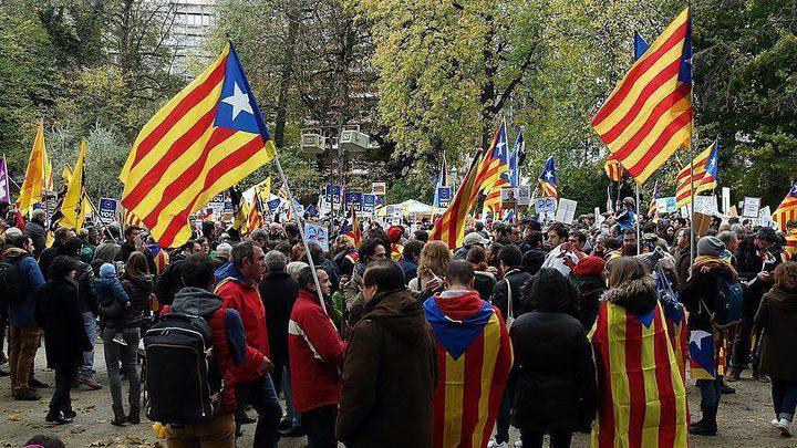 14 جريحاً باشتباكات برشلونة حول انفصال كتالونيا
