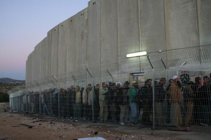 وفاة عامل من مخيم العروب على حاجز شمال بيت لحم