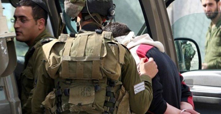 الاحتلال يعتقل فتى من بلدة الخضر