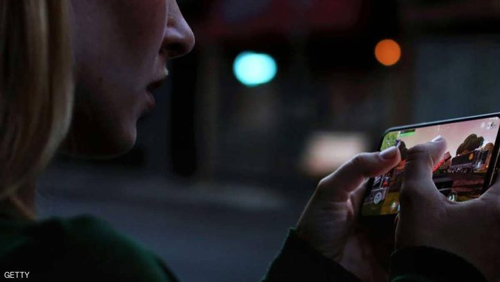 مستخدمون لآيفون XS يشتكون صور الهاتف تجعلنا كالدمى