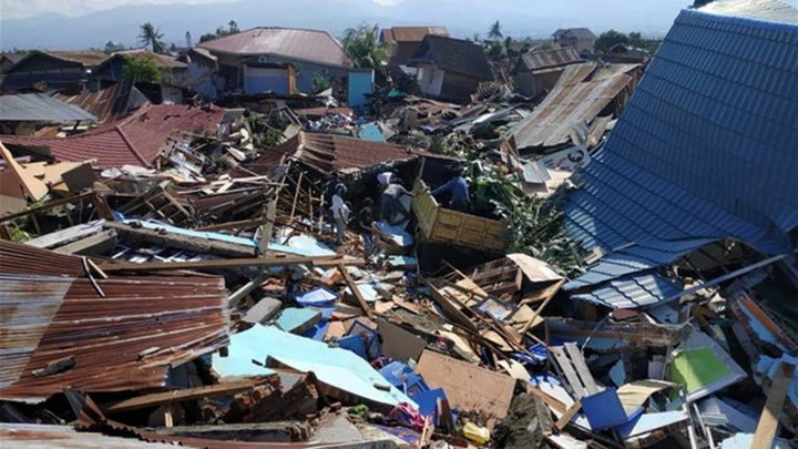 ارتفاع حصيلة ضحايا الزلزال والتسونامي في إندونيسيا