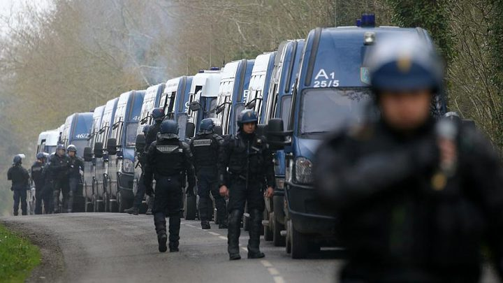 مسلحون يقتحمون مقر منظمة تساعد المهاجرين بفرنسا