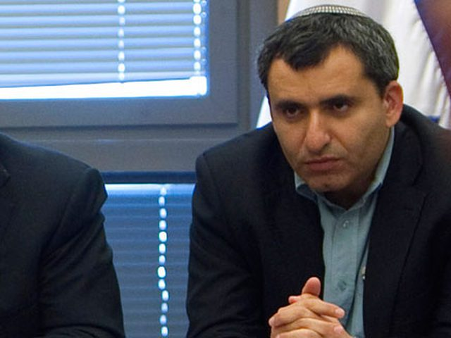 التحقيق مع وزيرين إسرائيليين