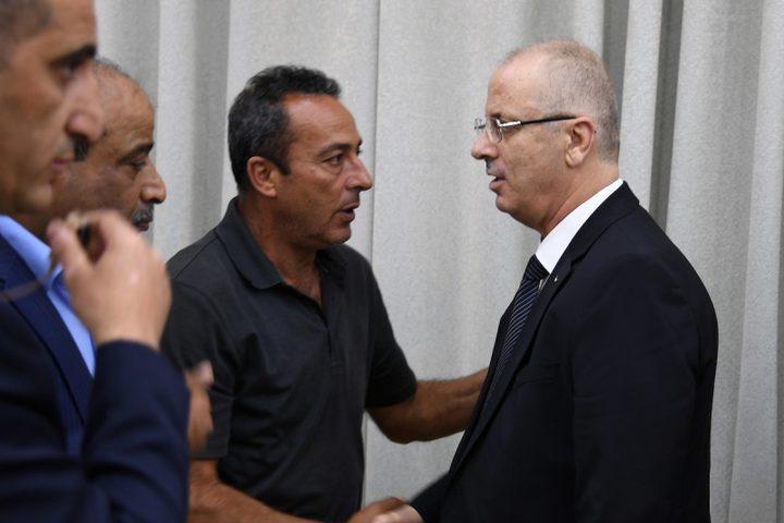 قدم رئيس الوزراء الفلسطيني رامي حمدالله تعازيه إلى عائشة الربيع ، العائلة ، في قرية بكيا في الضفة الغربية ، بالقرب من مدينة سلفيت في الضفة الغربية ، في 14 أكتوبر 2018.