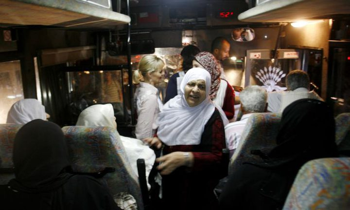 """أهالي أسرى غزة يزورون 20 أسيراً في سجن """"نفحة"""""""