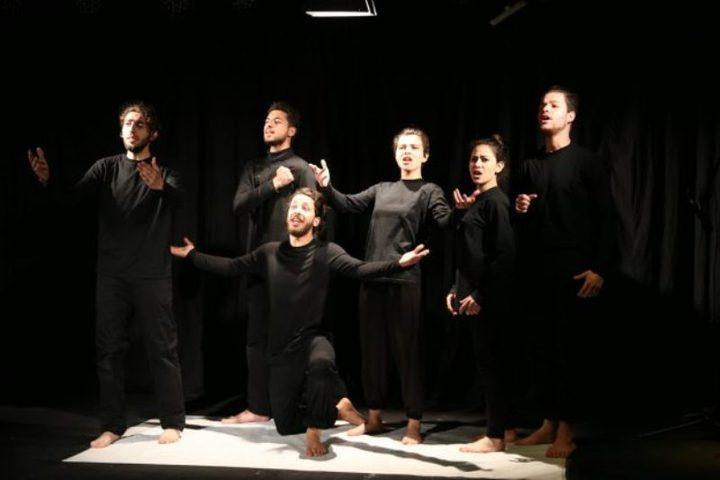 """مسرحية """"مروّح ع فلسطين"""" تفوز بجائزة أفضل عرض مسرحي"""