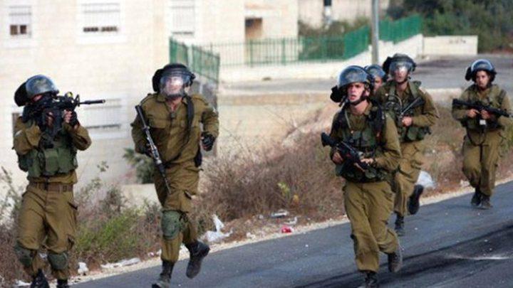 الاحتلال يقتحم مخيم شعفاط ويشرع بحملة مخالفات