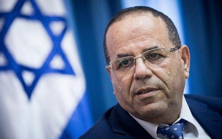 سلطات مطار دبي توقف وزيرا إسرائيليا عدة ساعات