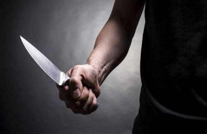 شاب يقتل شقيقته طعناً