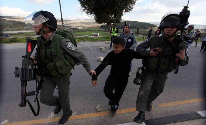 قوات الاحتلال تعتقل طفلا من يعبد