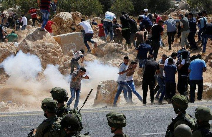 إصابات واعتقالات بقمع مسيرة جبل الريسان