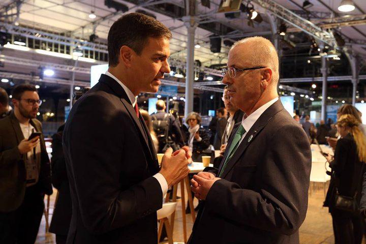 لقاء رئيس الوزراء الفلسطيني رامي الحمد الله،برئيس الوزراء الاسباني بيدرو سانتشيس، وذلك على هامش المشاركه في منتدى باريس للسلام