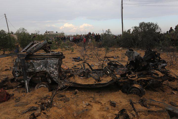بقايا المركبة التي تم تدميرها في غارة جوية إسرائيلية ، في خان يونس جنوب قطاع غزة عقب اندلاع اشتباك مسلح خلال عملية عسكرية إسرائيلية في قطاع غزةحيث اسفرت عن استشهاد سبعة مواطنين وإصابة  14 اخرين ومقتل ضابط في قوات الاحتلال واصابة اخر.