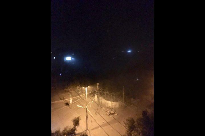 طائرات الاحتلال تدمر عمارة سكنية وسط غزة